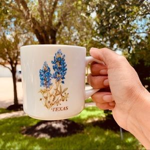Coffee mug with Texas bluebonnets